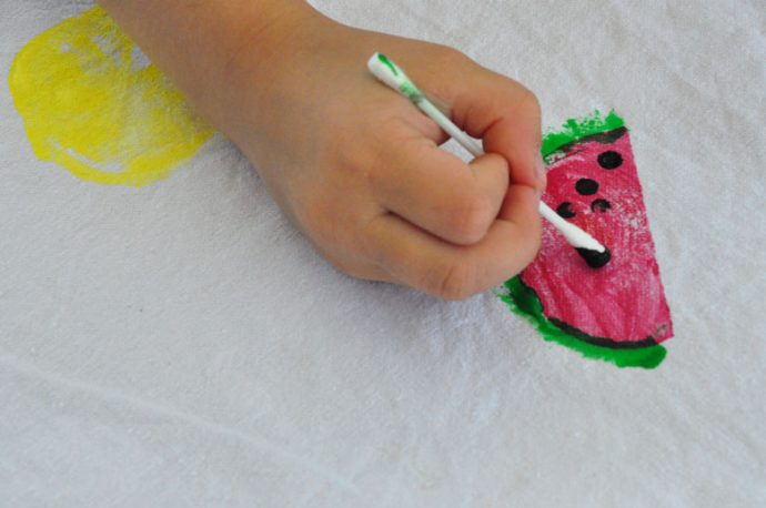 DIY Wassermelonen Tischdecke - Kartoffeldruck im Sommer mit Kindern
