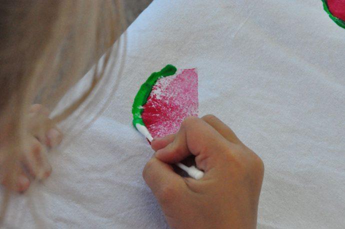DIY Wassermelonenschale malen - kinderleichte Sommertischdecke DIY