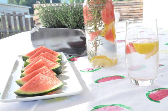 DIY Sommerlich fruchtige Tischedecke mit Zitronen und Wassermelonen - einfaches DIY mit Kartoffeldruck