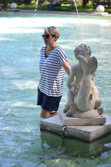 La Alizéa Sommer in der Stadt Springbrunnen Figur