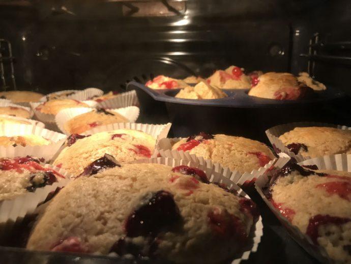 Buttermilch-Beeren Muffins Backrohr