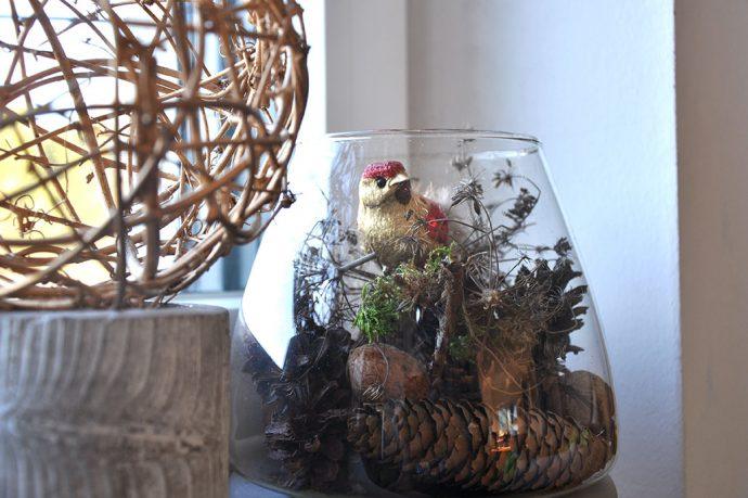 Vogel im Waldglas